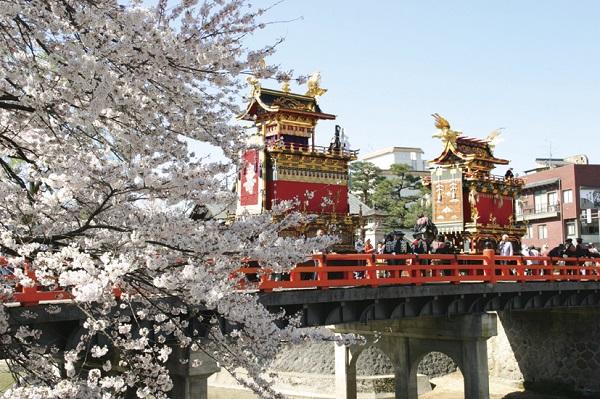 [日帰り]日本三大美祭 春の高山祭